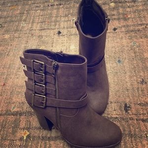 Just Fab Rosalia boots. New without box!!